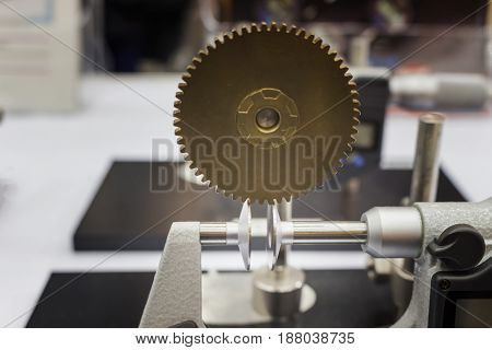 Gear pitch inspection by micrometer show in an exhibition