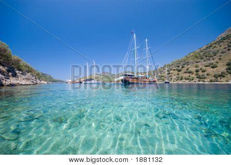 Barche sul mare Mediterraneo