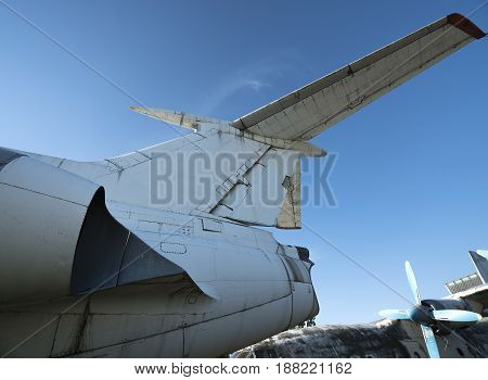 old abandoned airplanes close-up view day time