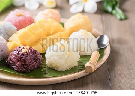 Sticky Rice With Ripe Mango On Wood