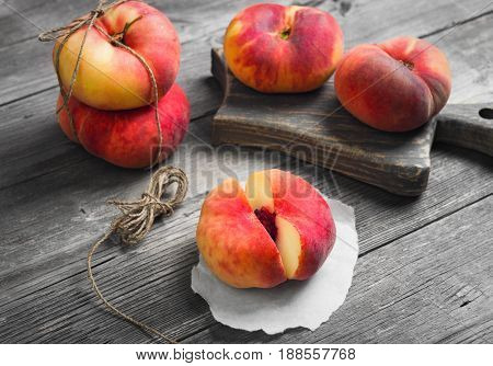 Flat Doughnut Peaches (saturn Peaches)