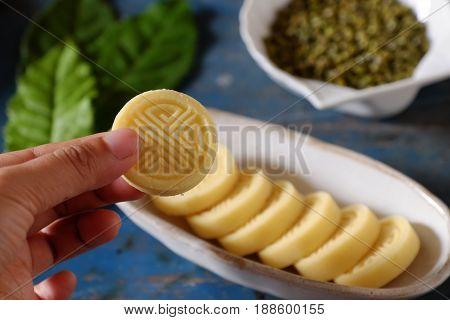 Green Beans Cake