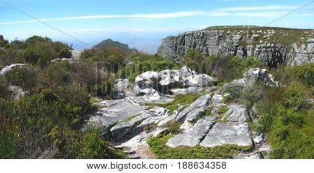 VIEW FROM THE TOP OF TABLE MOUNTAIN, CAPE TOWN, SOUTH AFRICA 24mht