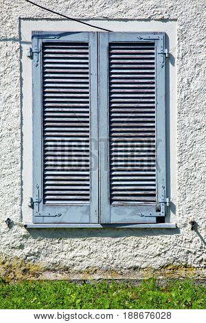 Grey Window  Viladosia Palaces Italy    Grass