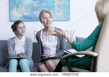 Psychotherapist solving mother's and teenage daughter's problem