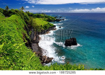 Rough And Rocky Shore At East Coast Of Maui, Hawaii
