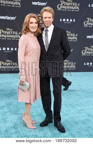 LOS ANGELES - MAY 18:  Jerry Bruckheimer and Linda Bruckheimer arrives for
