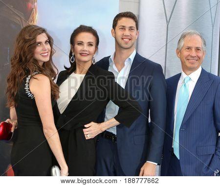 LOS ANGELES - MAY 25:  Jessica Altman, Lynda Carter, James Altman, Robert A Altman at the