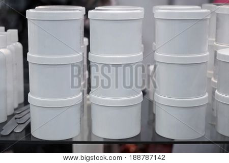 Sugar paste for epilation on glass shelf