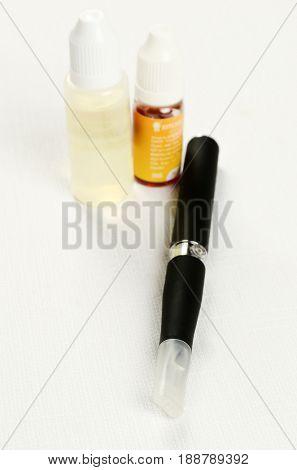Electronic cigarette, detail and components. E-cigarette business