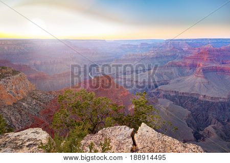 Amazing Panorama View Of Grand Canyon Next To Hopi Point