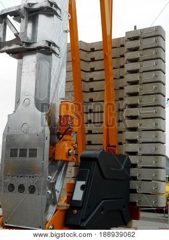 Crane - weights for stabilization and lifting mechanism
