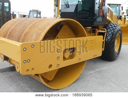 road roller with one drum and pneumatic tyre, a compactor type engineering vehicle
