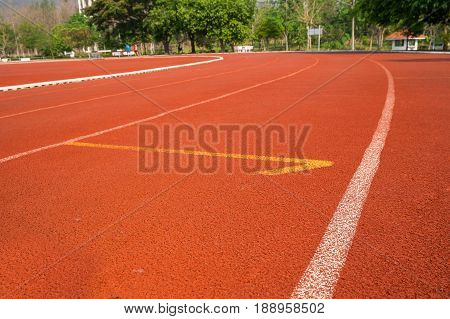 outdoor rubber flooring outdoor rubber running track for exercise or compettition in the morning