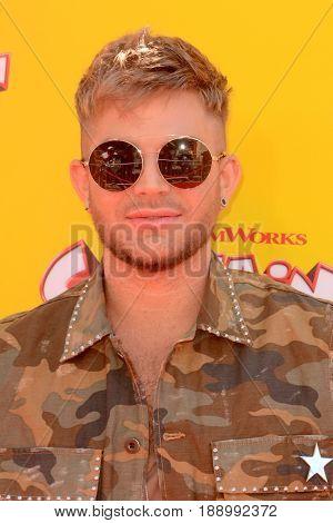 LOS ANGELES - MAY 21:  Adam Lambert at the
