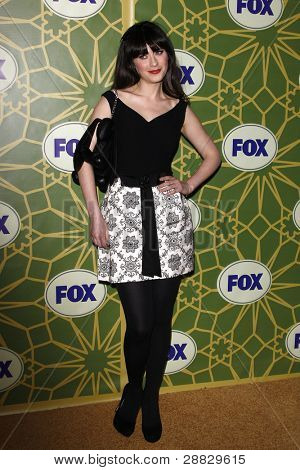 LOS ANGELES - JAN 8:  Zooey Deschanel at the FOX All Star Winter TCA Party at Castle Green on January 8, 2012 in Pasadena, California.