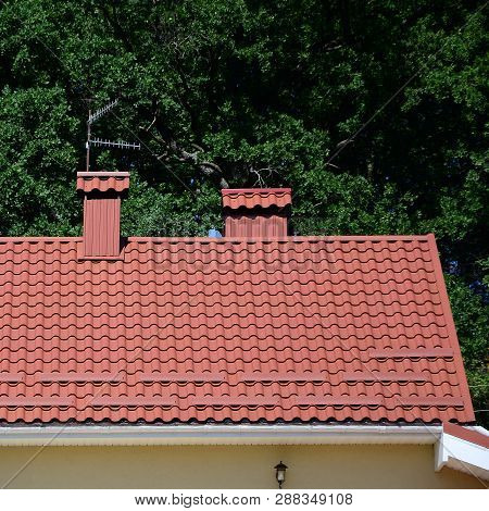 High Quality Red Metal Tile Roof Of A House