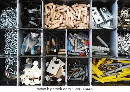 Toolbox with arranged screws