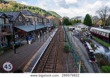 Betws Y Coed, Uk - Feb 2, 2019: Families With Children Enjoy A February Ride On The Betws Y Coed Min