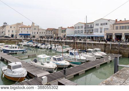 Saint Martin De  Ré, Charente Maritime / France - 05 01 2019 : Port Of Saint-martin-de-ré Sur L'île