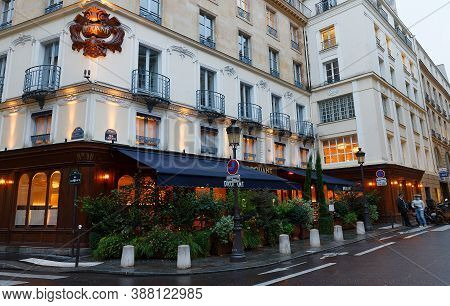 Paris, France-october 02, 2020 : Drouant Is Historic Parisian Restaurant Founded In 1880, Located In