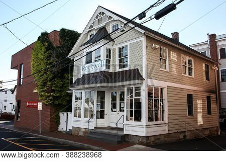 NEW CANAAN, CT, USA - OCTOBER 4, 2020: Rockwell Fine Custom Framing building on Burtis Avenue in New Canaan downtown