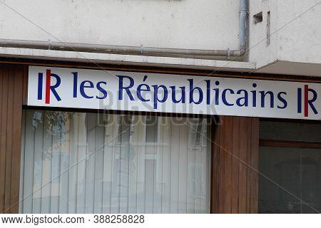 Bordeaux , Aquitaine / France - 10 01 2020 : Les Republicains Logo And Text Sign Lr Office Of Center