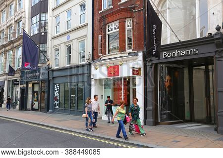 London, Uk - July 7, 2016: People Shop At New Bond Street In London. Bond Street Is A Major Shopping