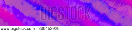 Web Retro Background. Futuristic Purple. Energy Violet. Web Fuchsia Background. Sparkle Purple. Glow