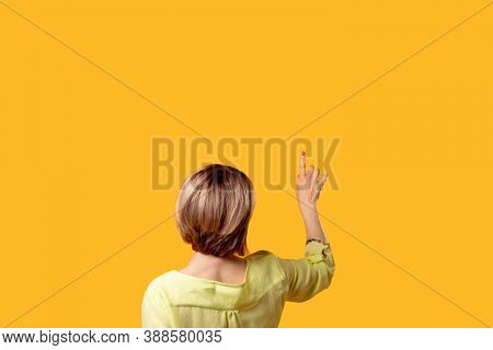 Motivation Announcement. Information Knowledge. Answer Discovery. Curious Woman In Yellow Blouse Rea