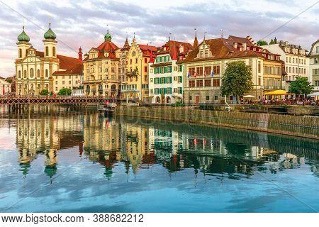 Lucerne, Switzerland - Aug 24, 2020: Sunset On Lake Lucerne In Central Switzerland. Jesuitenkirche O