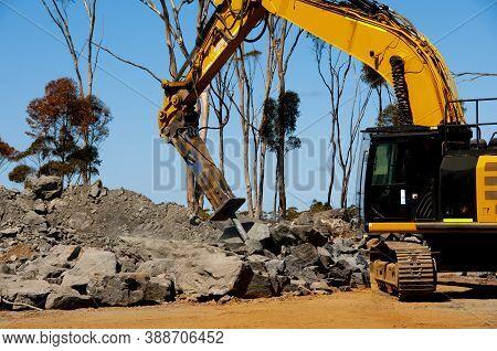 Heavy Duty Industrial Rock Breaker - Australia