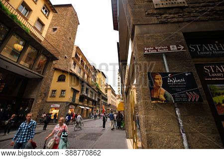 Florence, Italy, October 11,2018: A Crowded Street In The Old Part Of Florence, Tuscany.