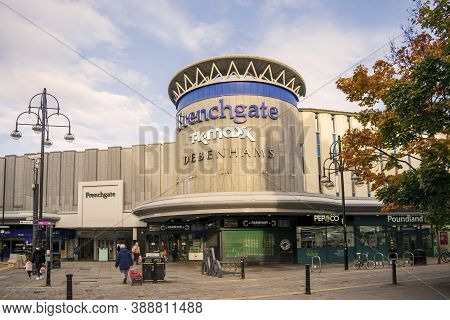 Doncaster,yorkshire, England - October 7, 2020. Frenchgate Building Facade With Pedestrians Walking