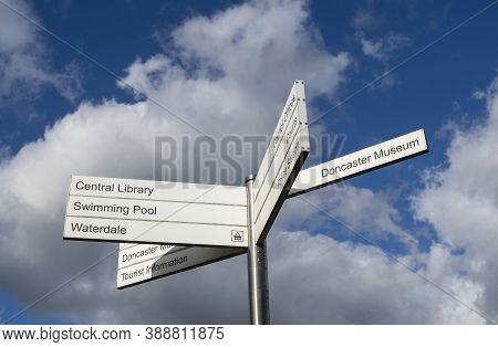Doncaster,yorkshire, England - October 7, 2020. Informational Signs With Directions For The The Libr