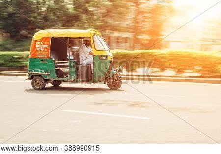 New Delhi, India - August 13: Moto-rickshaw In Motion, New Delhi, India On August 13, 2016 In New De