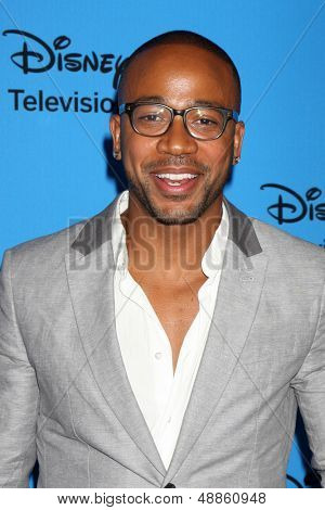LOS ANGELES - AUG 4:  Columbus Short arrives at the ABC Summer 2013 TCA Party at the Beverly Hilton Hotel on August 4, 2013 in Beverly Hills, CA