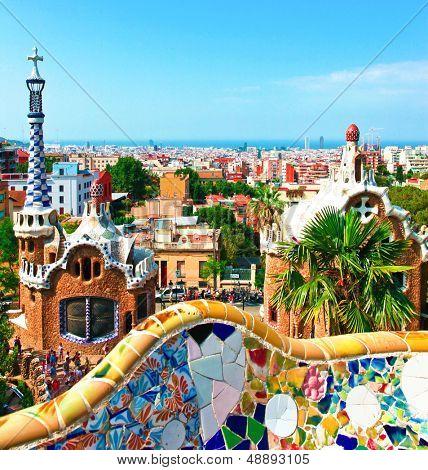 BARCELONA, Spanien - 19.Juli: Keramische Mosaik Park Güell am 19. Juli 2013 in Barcelona, Spanien. Park-Gue