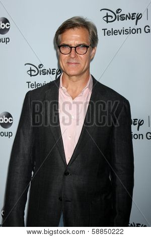 LOS ANGELES - JAN 17:  Henry Czerny at the Disney-ABC Television Group 2014 Winter Press Tour Party Arrivals at The Langham Huntington on January 17, 2014 in Pasadena, CA