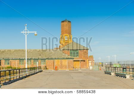 Jacob Riis Park, Rockaway, Queens, NYC, USA: boardwalk and old bathouse