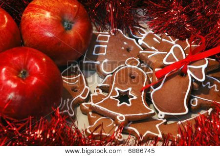 Apples And Gingerbread
