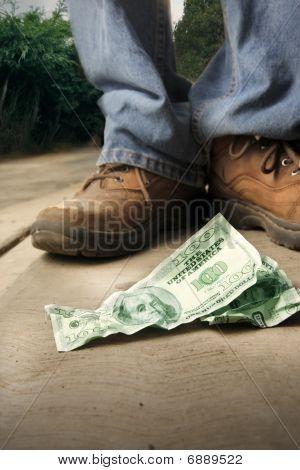 Lucky Man Finds Money
