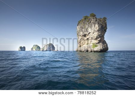 Lonley Island In The Sea Ko Ha Thailand