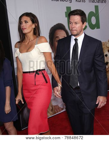 LOS ANGELES - JUN 21:  MARK WAHLBERG arrives to the