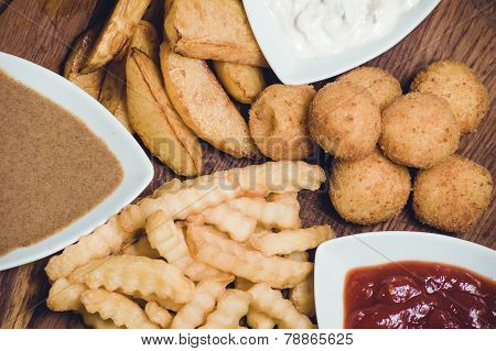 Snack Potato Platter With Dips