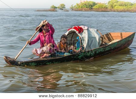 Vietnamese mother take care of her children