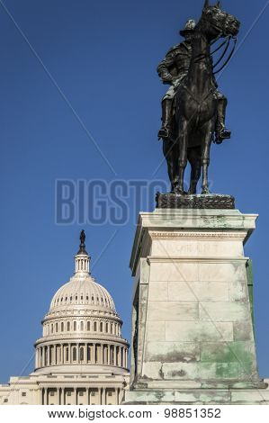 General grant statue in front of US capitol, Washington DC.