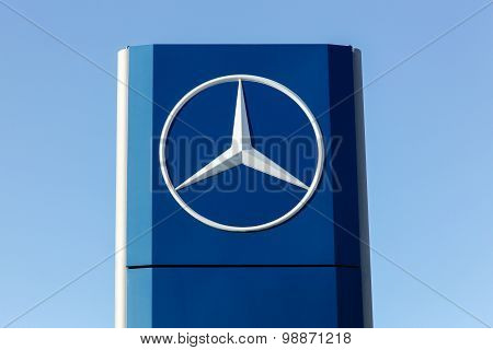 Mercedes logo on a facade