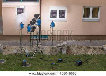 outdoor light setup for filming creating ligh for filming