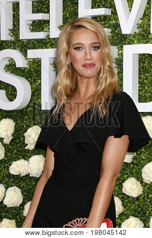 LOS ANGELES - AUG 1:  Yael Grobglas at the CBS TV Studios Summer Soiree TCA Party 2017 at the CBS Studio Center on August 1, 2017 in Studio City, CA
